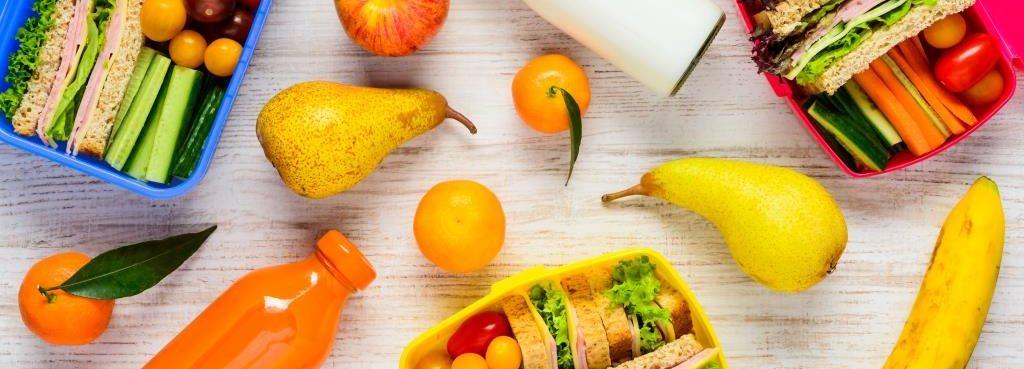 8 składników, które pozwolą przygotować pyszne lunche na cały tydzień (bez gotowania!)